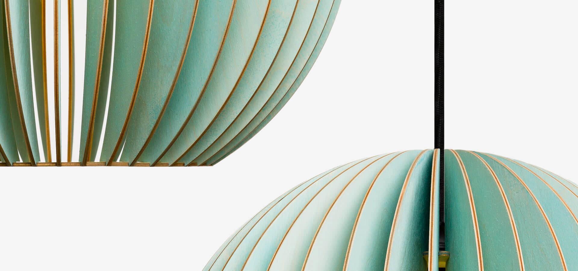 IUMI-DESIGN-LAMPEN-AUS-HOLZ-AION-BLAU2-1920×900