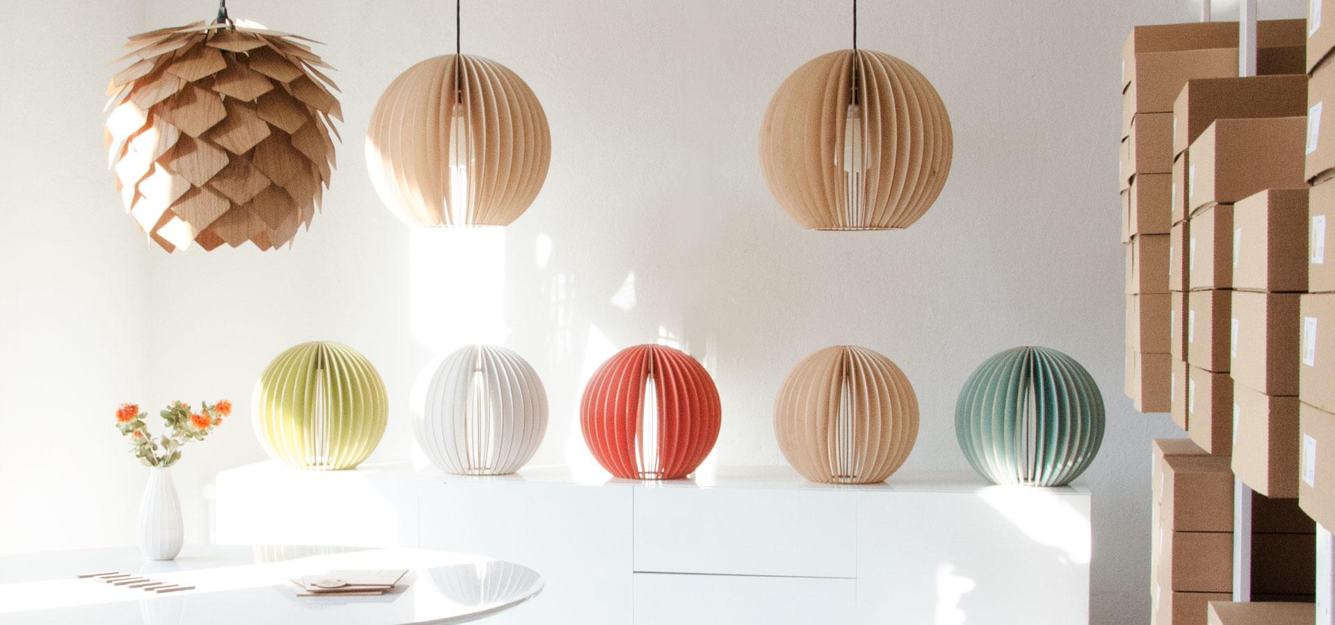 IUMI-Holzlampen-Studio