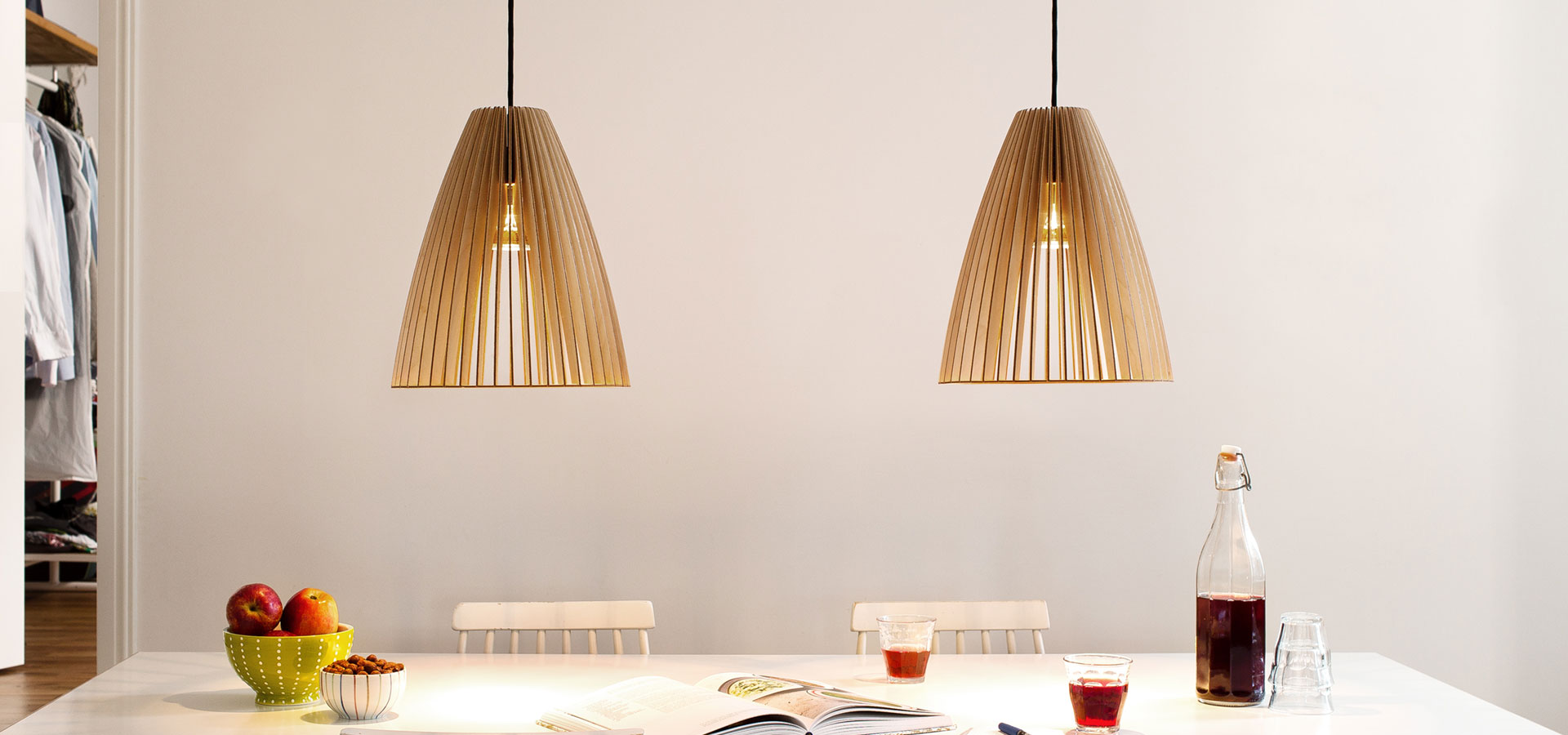 PENDELLEUCHTE-TEIA–HOLZ-LAMPE-BIRKE-NATUR-1920×900