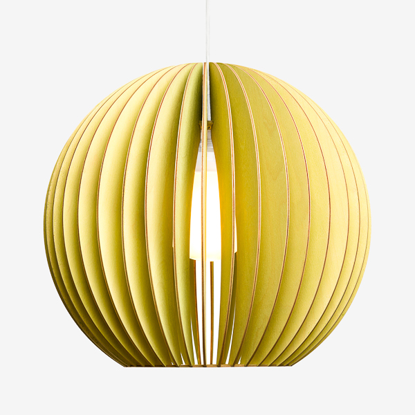Holz Lampen aus Berlin AION L grün Textilkabel weiss