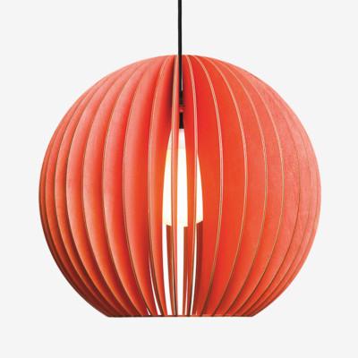 Holz Lampen aus Berlin AION L rot Textilkabel schwarz