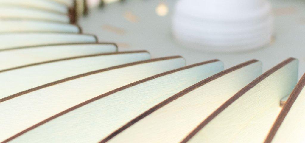 Angellampe aus Holz