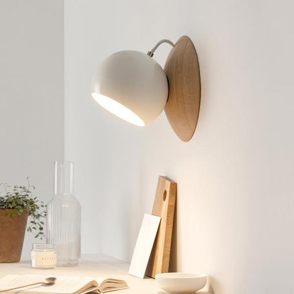 Wandlampe aus Eichenholz magnetisch verstellbar ORBIT by IUMI DESIGN